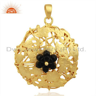 Lets have a walk for Wholesale Boutique Jewellery shopping store in Jaipur