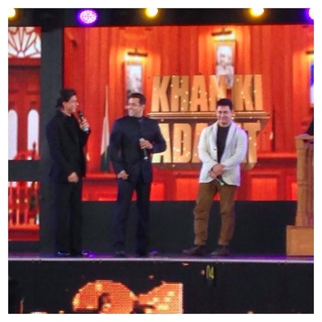 srk, salman & aamir on stage. historic ,, Salman, Aamir, shahrukh Khan aap ki Adalat Pics