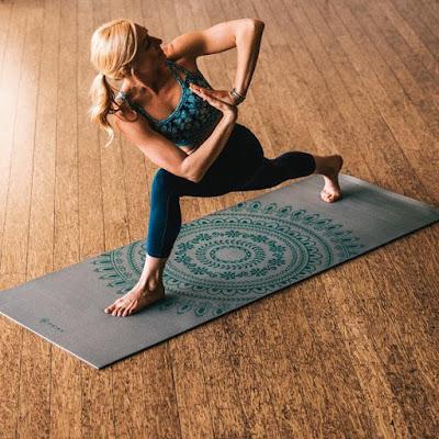 Vì sao bạn nên mua thảm tập Yoga?