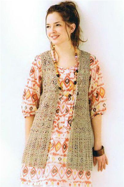 413c9288418b6 Crocheted sleeveless cardigan for summer