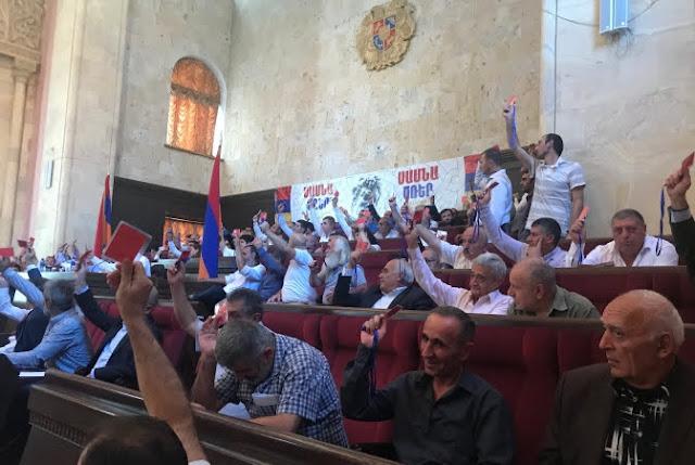 Sasna Tsrer celebra el congreso inaugural del partido