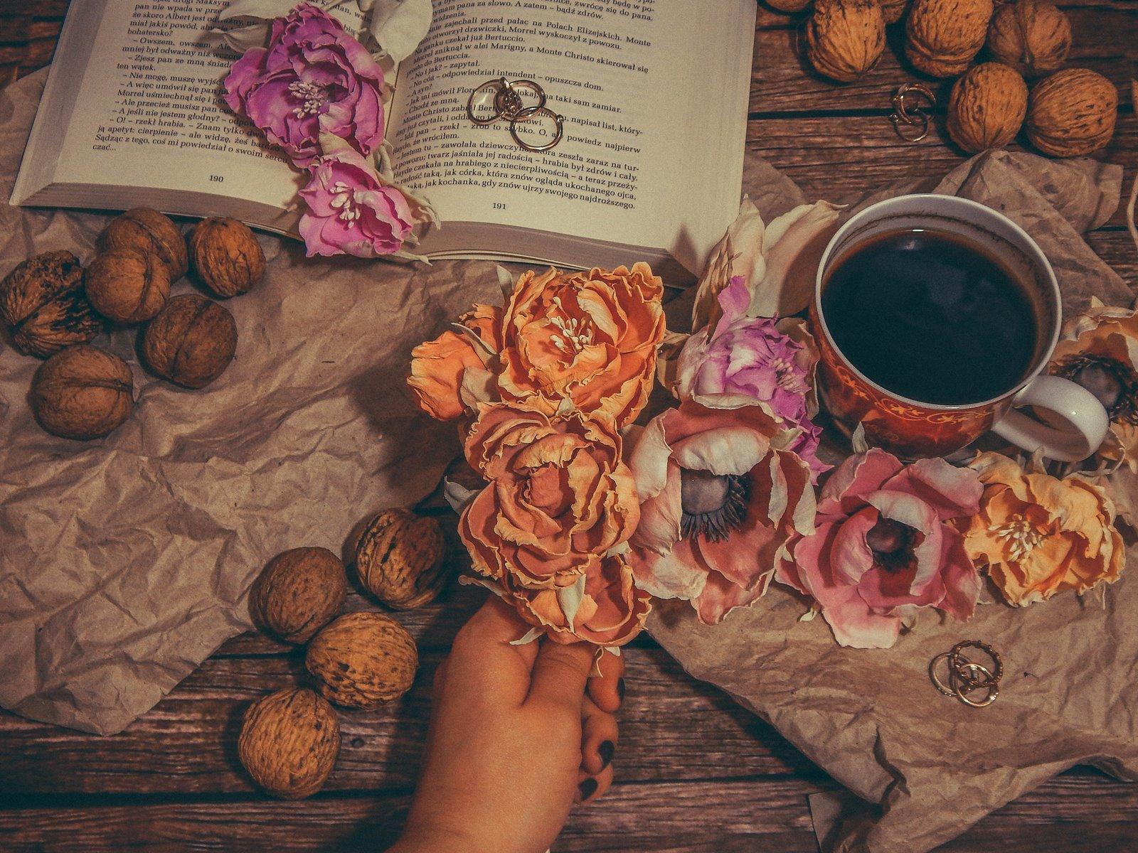 1 sztuczne kwiaty jak żywe wianki ślubne nietypowe kartki ślubne zaproszenia na roczek na urodziny na rocznicę imieniny diy do it yourself ręcznie robione kwiaty wywiad pomysł na biznes moonbird jak zrobić kwiatki