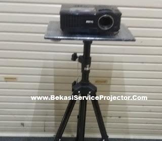 Stand Tripod Projector