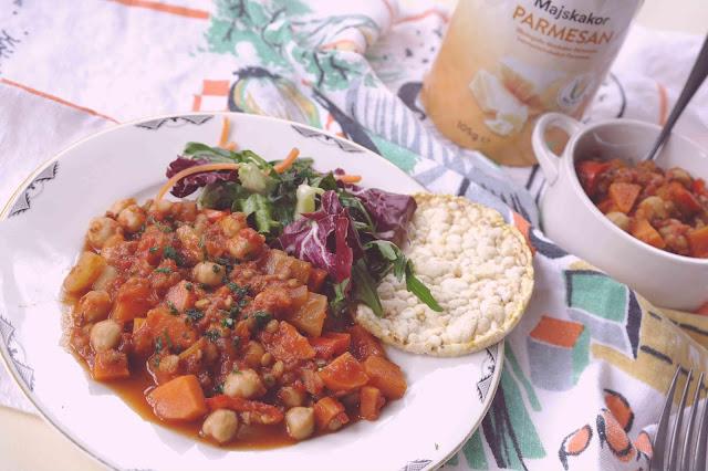 Lins och kikärtsgryta med tomater och örter