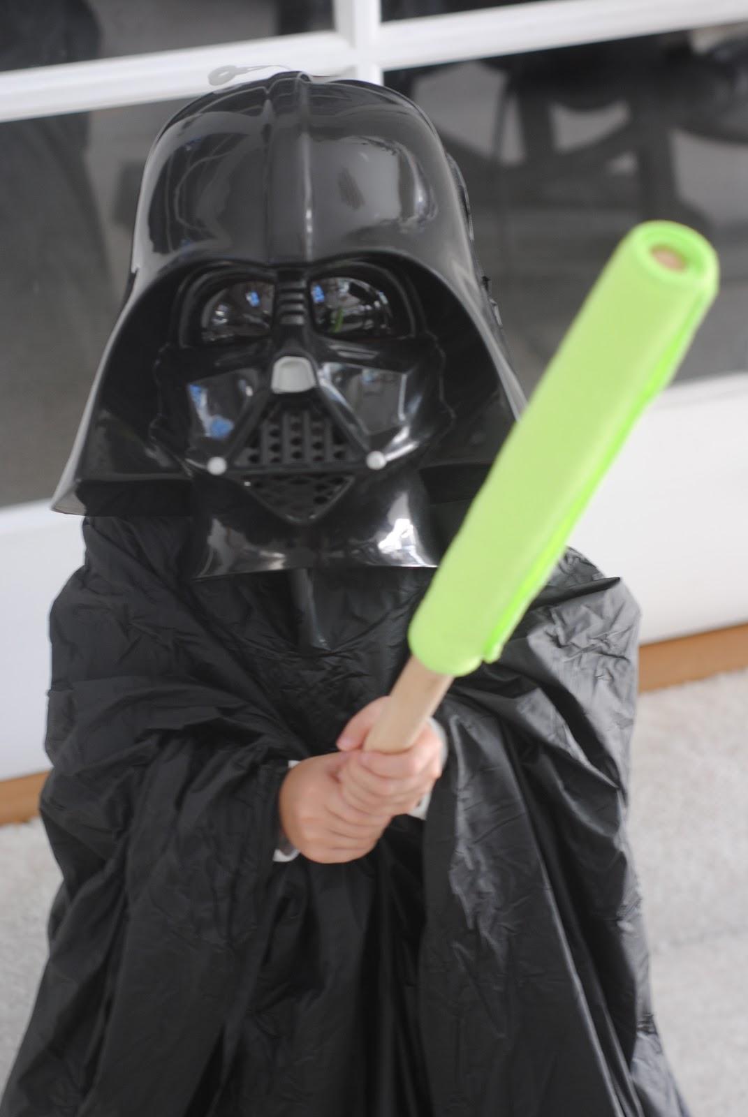homemade darth vader costume star wars costume. Black Bedroom Furniture Sets. Home Design Ideas
