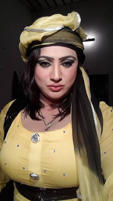 Sexy Pakistani Bhabhi In Yellow Suit Full Gallery - Moti Gaand-5197