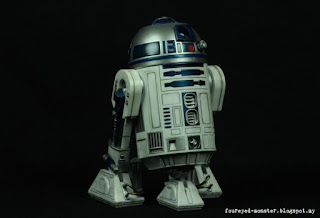 https://foureyed-monster.blogspot.my/2017/04/star-wars-r2-d2-bandai-112-scale.html