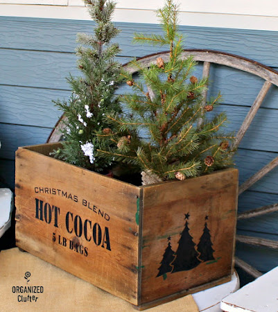 Stenciled Crate As Christmas Decor