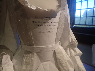 Hampton Court Palace gossipy costume note