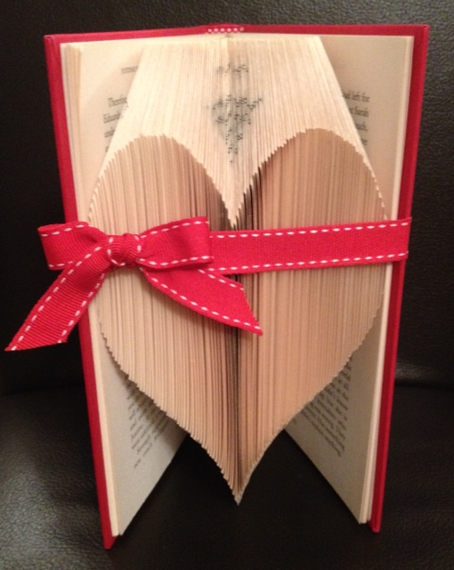 Ashtead card making and craft club folded book art this first project is hearts again and i know we will be past valentines day but this is a good starter project for following a book folding pattern m4hsunfo