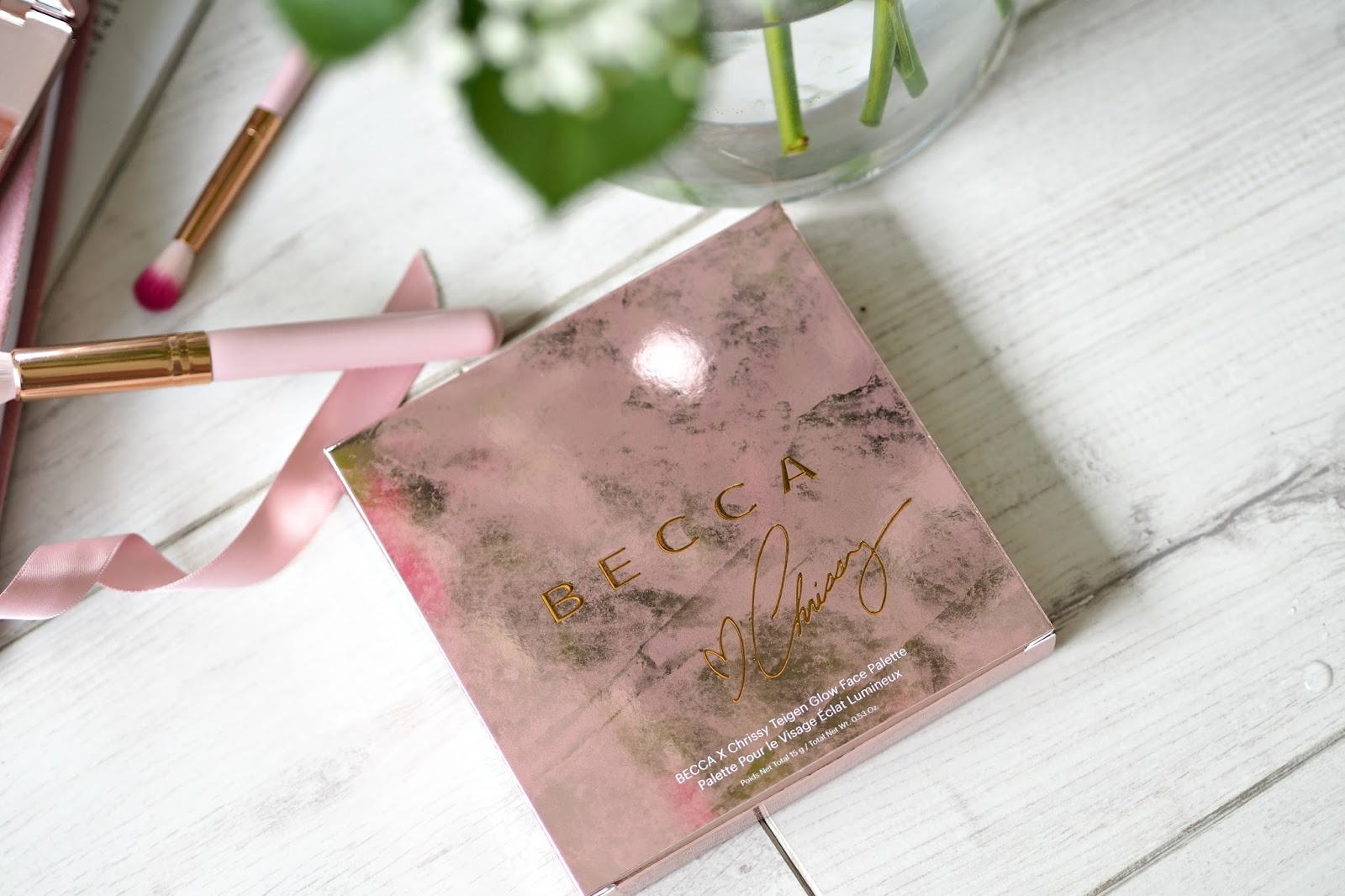 BECCA X Chrissy Teigen Glow Face Palette Review box
