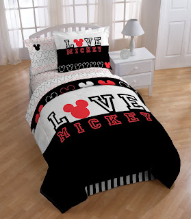 Disney Mickey Love Comforter with Sham Set, Twin