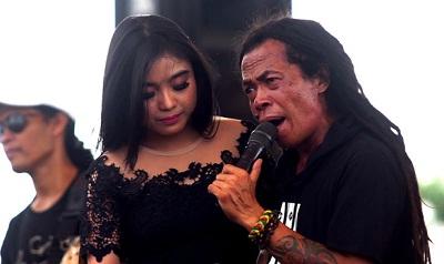 Download lagu Dangdut Koplo Sodiq Mp3 Terbaru - MusikAdem | Download