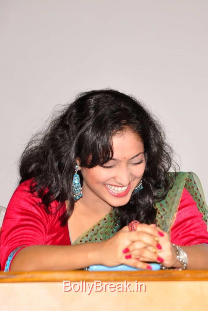 Haripriya Photo Gallery, Haripriya Hot HD Images in Teal Green Colour Saree