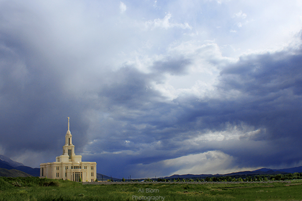 lds temple payson utah cloudy skies