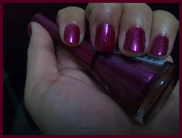 Bourjois 1 Seconde Nail Enamel 13 Bikini Paillete Review and On Nails