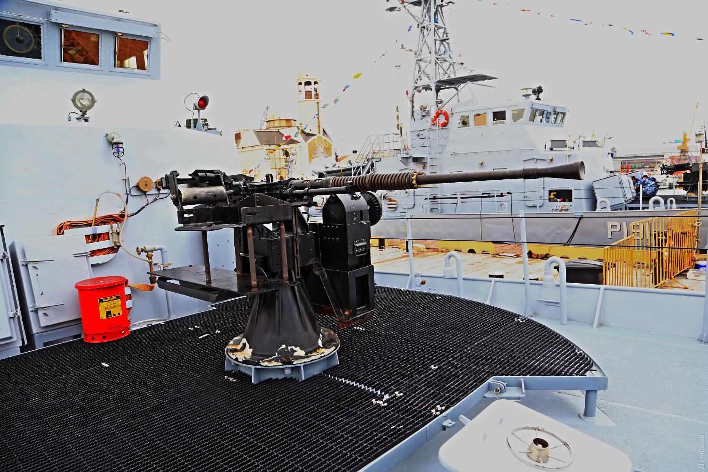 На «Айленди» встановили радянські 25-мм гармати (ФОТО)