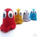 http://www.supergurumi.com/amigurumi-crochet-pac-man-ghosts