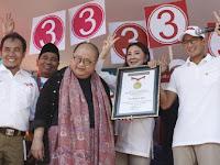 Hebat ! Blusukan ke 1.000 Titik di Jakarta, Sandiaga Dapat Rekor MURI