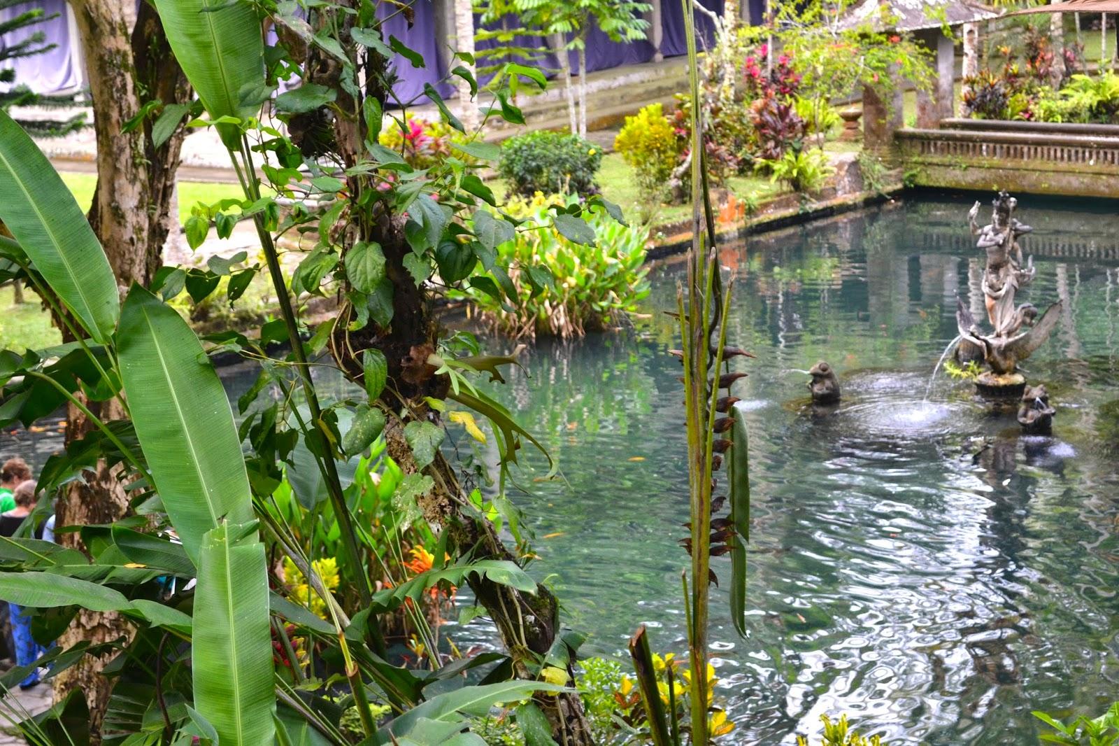 Manantial sagrado de sebatu, Bali, Indonesia