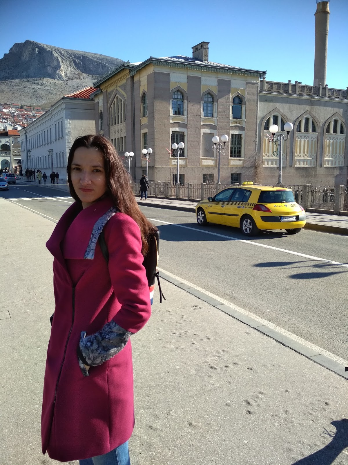 Flare jeans and magetna coat (location Mostar, BIH)