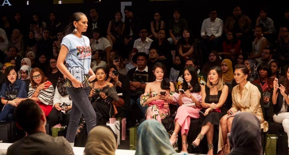 Kuala Lumpur Fashion Week 2016- Crystal Phuong- Travel & Fashion Blogger
