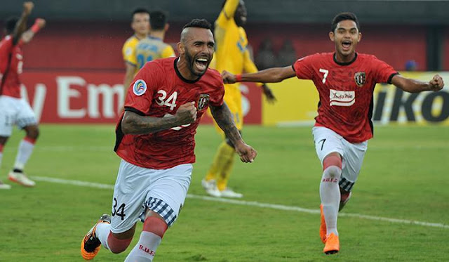 Bali United vs PSMS Medan