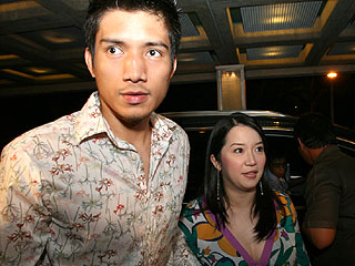 Mga Celebrity Couples Na Malayo Ang Agwat Ng Edad Sa Kanilang Mga Partner Pero Masaya At Sobrang-In Love Sa Isa't-isa!