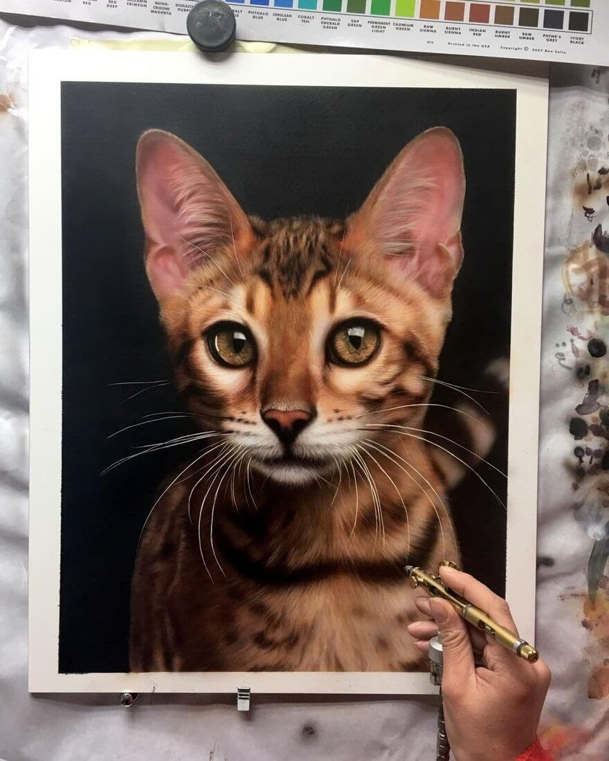 08-Cat-M-Oosterlee-Realistic-Airbrush-Animal-Paintings-www-designstack-co