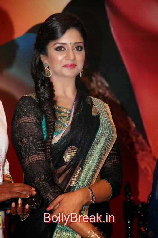 Telugu Actress Vimala Raman, Vimala Raman Hot HD Pics in Black Saree from Young India Awards
