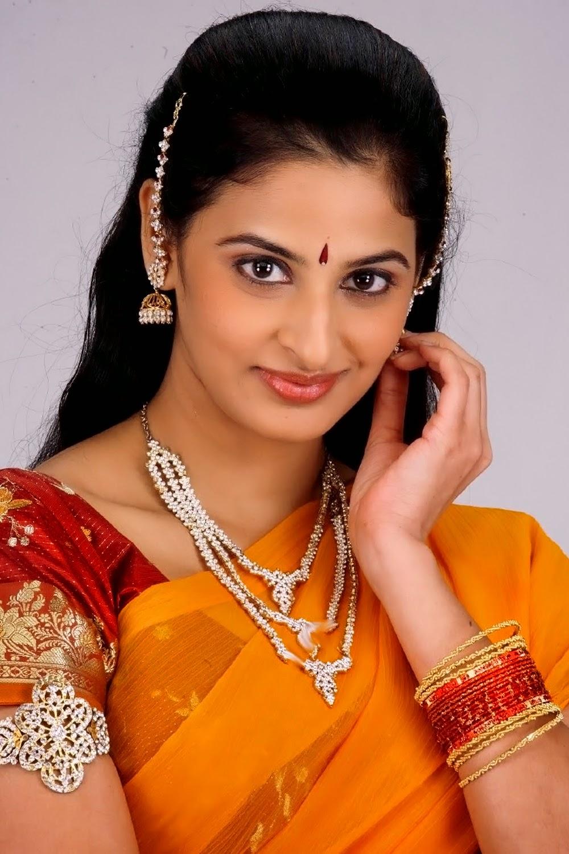 FACEBOOK GIRLS: Tamil Nadu facebook Girls Mobile Numbers