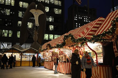Chicago dazzles this winter holiday season