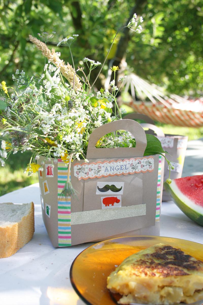 Decorar en familia_Taller de Creactividad: Diy cesta de picnic de cartón11