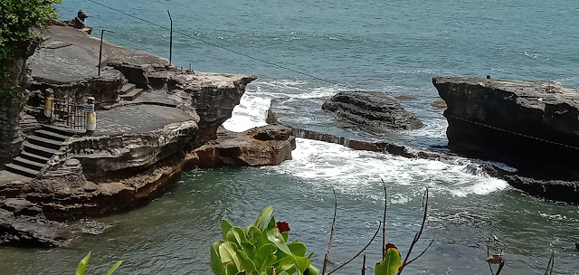 Tanah lot Bali-Indonesia wonderfull