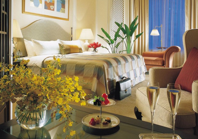 Shangri-La Hotel, Singapore: USD 1,320 / night