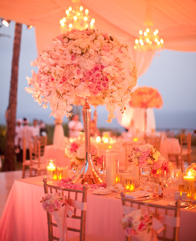 16 Stunning Floating Wedding Centerpiece Ideas: 25 Stunning Wedding Centerpieces