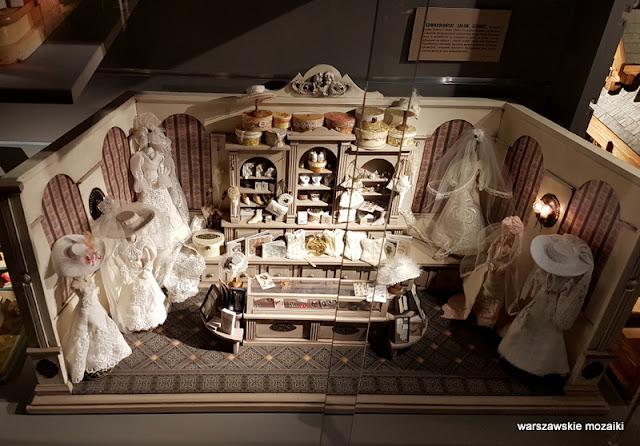 salon ślubny Warszawa Warsaw warszawskie muzea PKiN lalki zabawki domki dla lalek