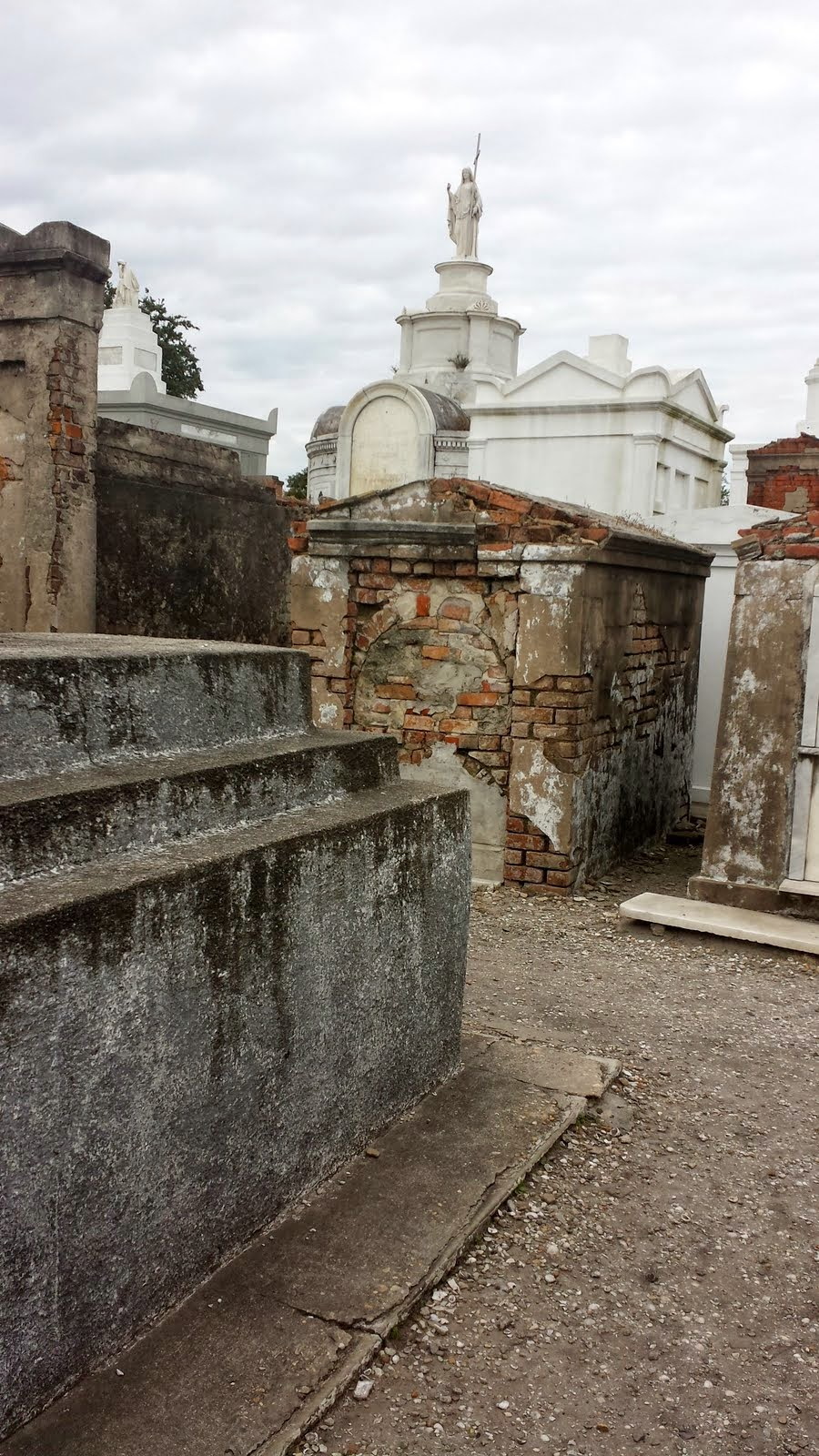 Big Daddy Dave: Touring New Orleans – St  Louis Cemetery #1