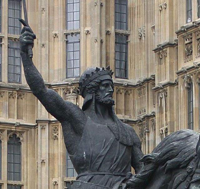 Ricardo III, Coração de Leão. Estátua frente ao Parlamento de Londres. Inglaterra.