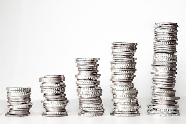 https://pixabay.com/fr/argent-geldturm-pi%C3%A8ces-de-monnaie-2180330/