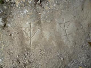 Cruces talladas