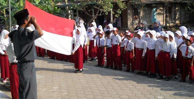 Dianggap Sembah Berhala, Murid SD Tolak Hormat Bendera Merah Putih