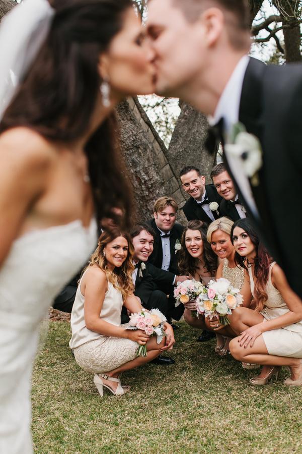 shabby+chic+wedding+spring+summer+pastel+champagne+pink+black+white+bride+groom+bouquet+ceremony+centerpiece+floral+flower+bridesmaid+dresses+dress+riverland+studios+10 - Charleston Pastel