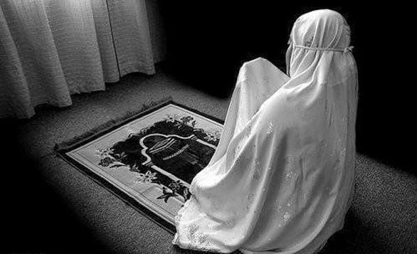 Kenali Ciri Wanita yang Salatnya Tidak Diterima Allah