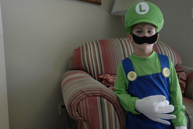 Super Mario Costume: LadyD Books