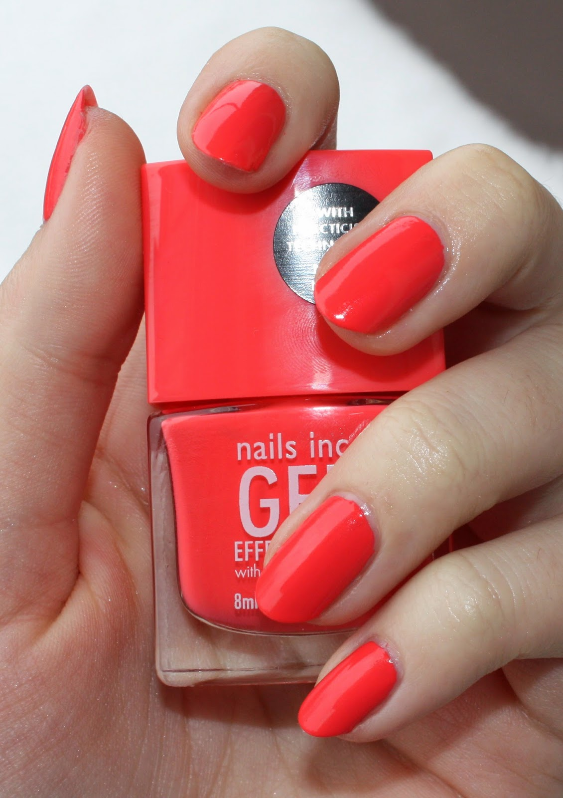Nails Inc. Gel Effect Polish in Kensington Passage Swatch