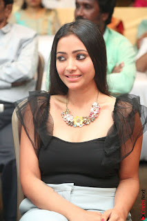 Swetha Basu in a Black Sleeveless Top Long Skirt at Mixture Potlam Movie Audio Launch 057.JPG