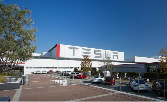 Tesla Motors es la empresa automotriz más innovadora, en sólo un año pasó del lugar 7 al 3 en el ranking de BCG. (Foto: Tesla Motors).