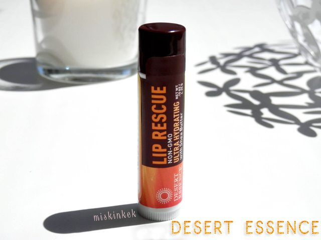 desert-essence-lip-balm-lip-rescue-ultra-hydrating-shea-butter