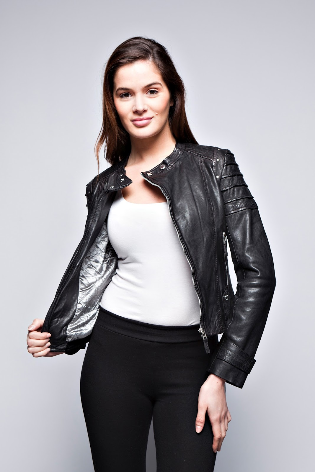 e3a6ee7591e The leather jackets for women and men by Prestige Cuir  Leather jackets for  women! AMBER GIORGIO
